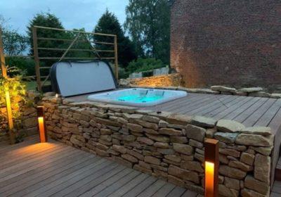 Réalisation d'un spa encastré dans une terrasse par un installateur à Verviers (Liège)
