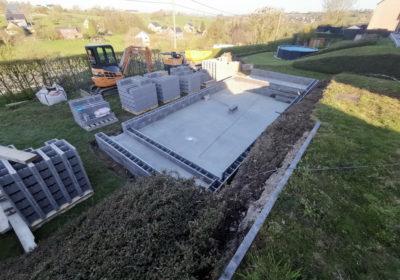 Création des fondations d'une piscine semi-enterrée à Liège